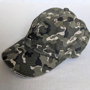 77738450c5 Nike Accessories - Nike camo strapback dad hat basebal cap camouflage